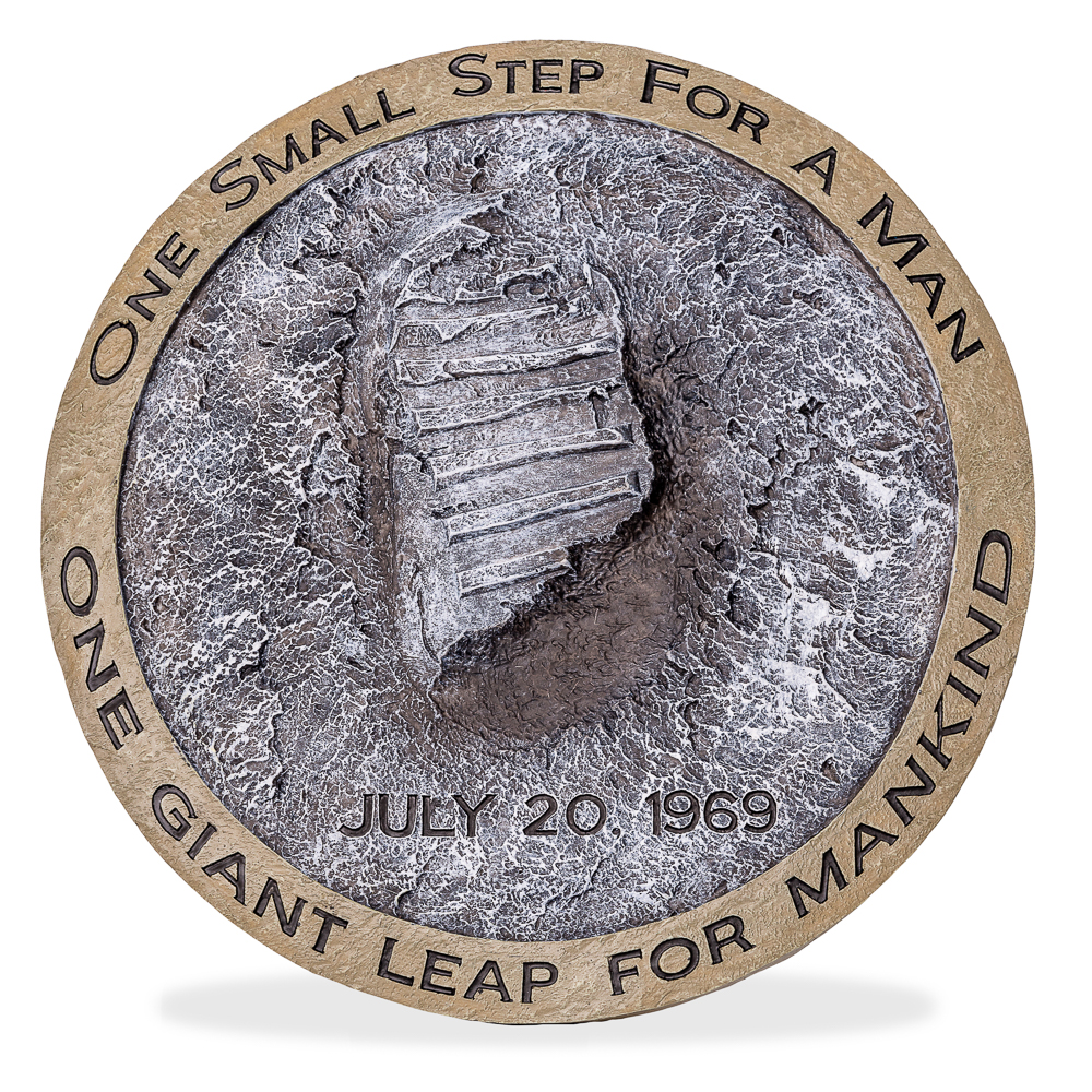 Footprint Wall Plaque,50TH ANNIVERSARY,09/SR01 IMP