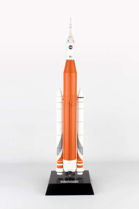Space Launch System 1/144,MODELS,E80944